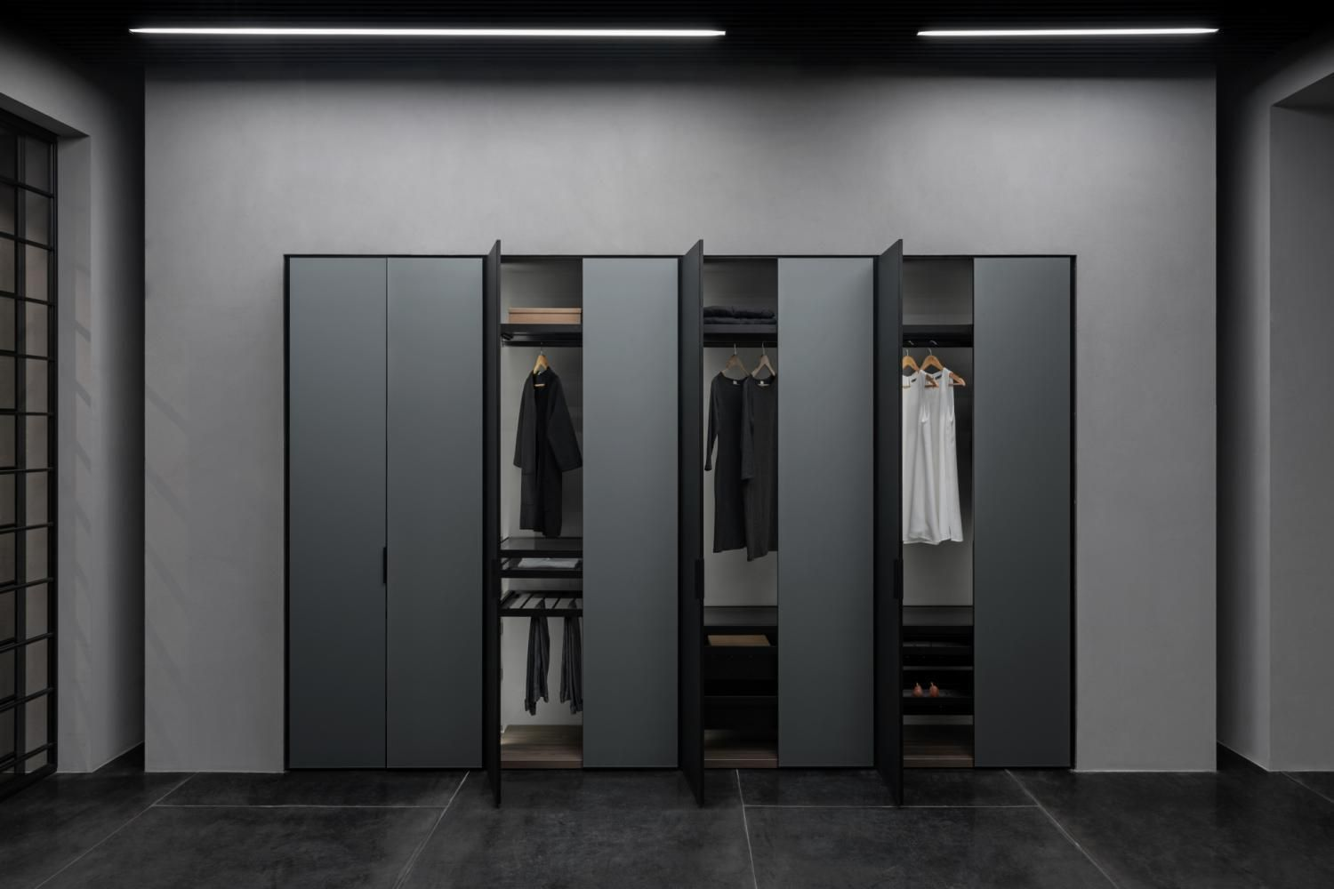 Built-in walk-in wardrobe AMPIO Doors. Aluminum profile Black Matt Color. Facade Slim glass Metallic Satin Grey. Aluminum shelves with glass.